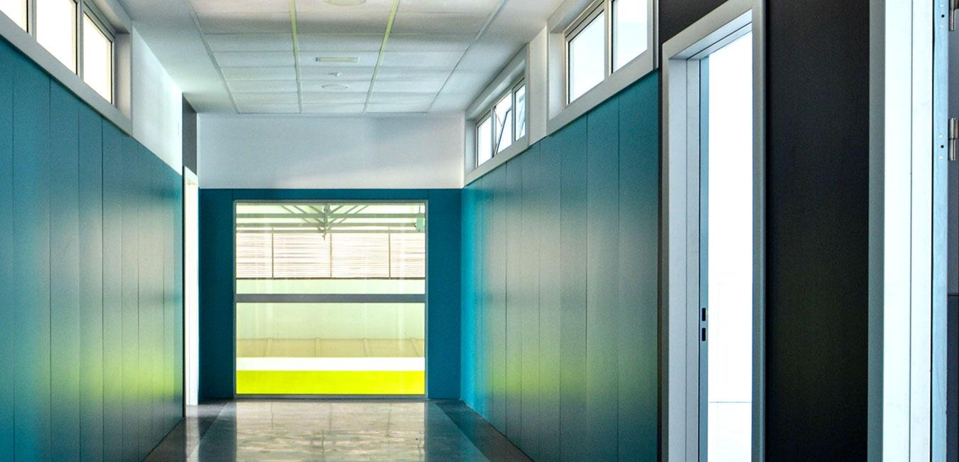 colores pasillo colegio